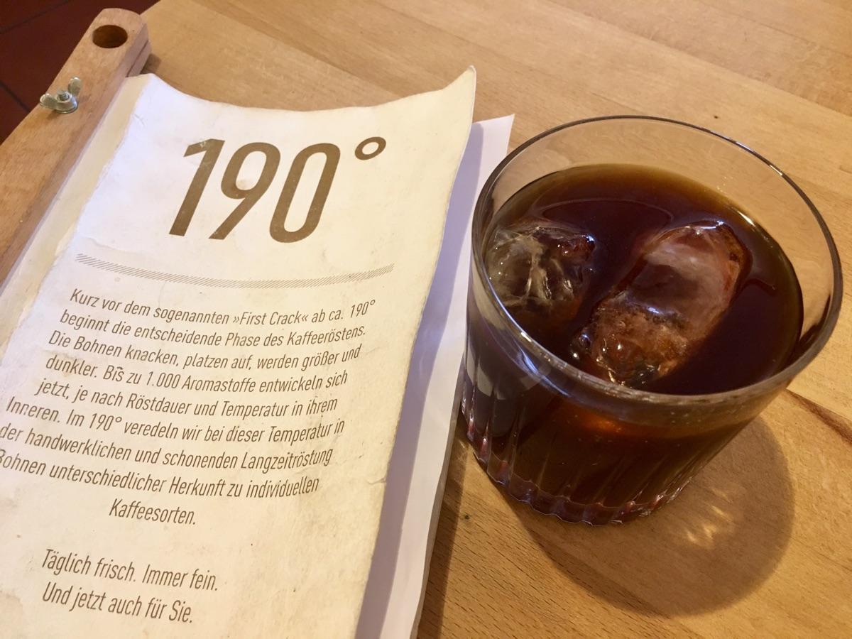 Cold Brew im Café 190° von der Rehorik Rösterei in Regensburg | Foto © Helmut Hackl