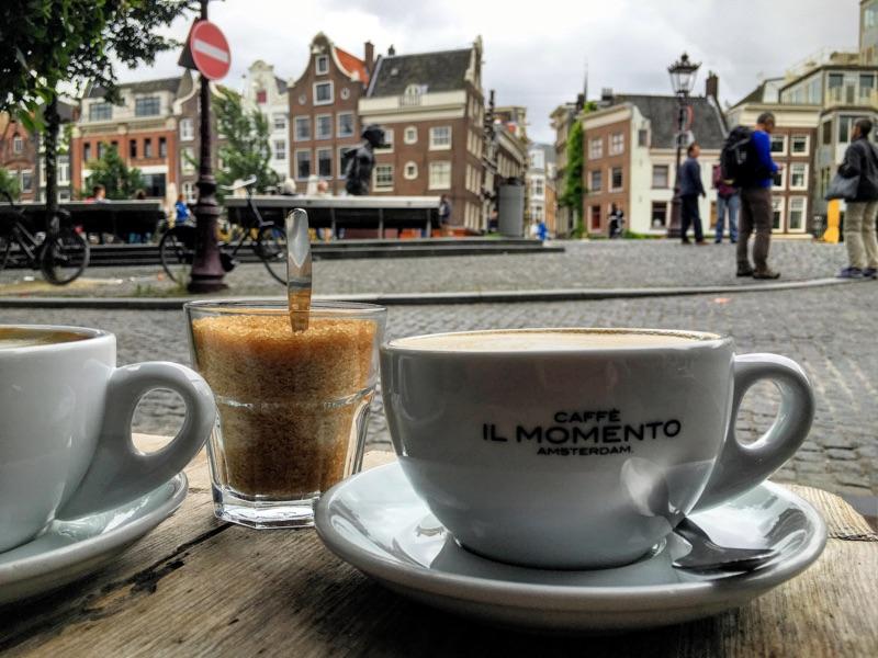 Café il Momento Amsterdam - Foto © Helmut Hackl