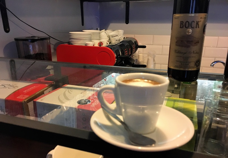 Budapest - Sly's Coffee Bar - Foto © Helmut Hackl