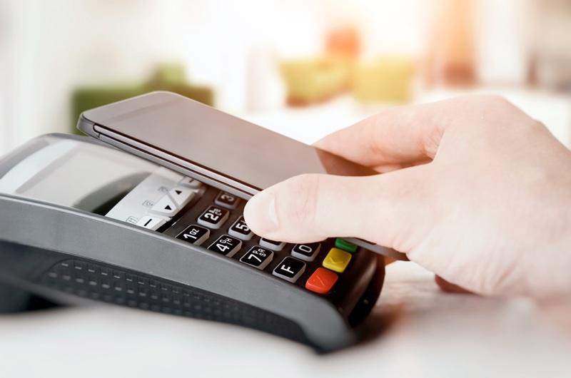 Digitale Kreditkarte - s Mastercard am Smartphone | Foto © Erste Bank und Sparkassen