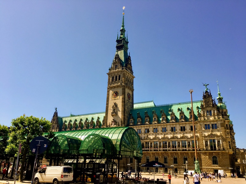 Hamburg Rathaus - Foto © Helmut Hackl