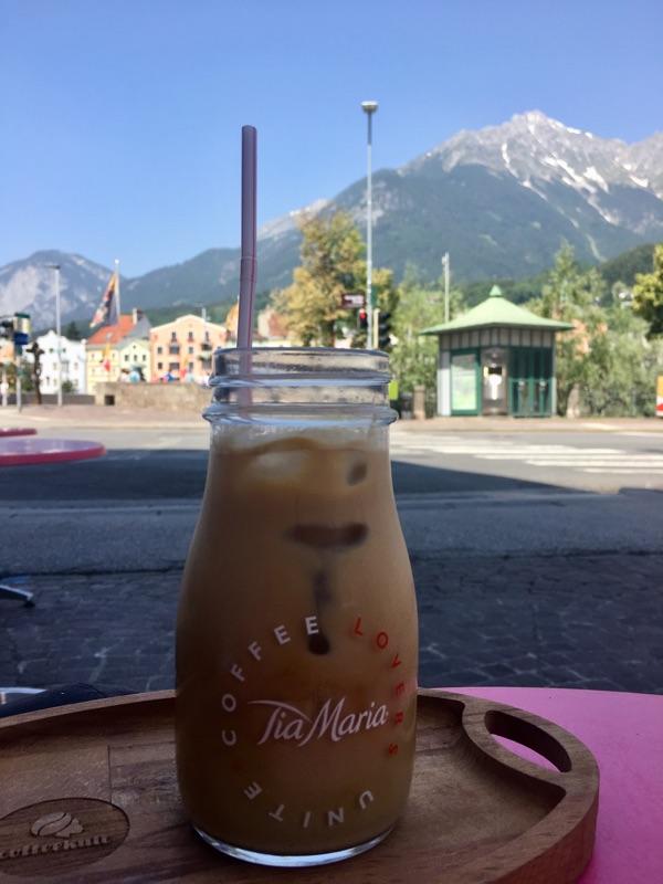 Iced Latte im COFFEEcult / Innsbruck | Foto © Helmut Hackl