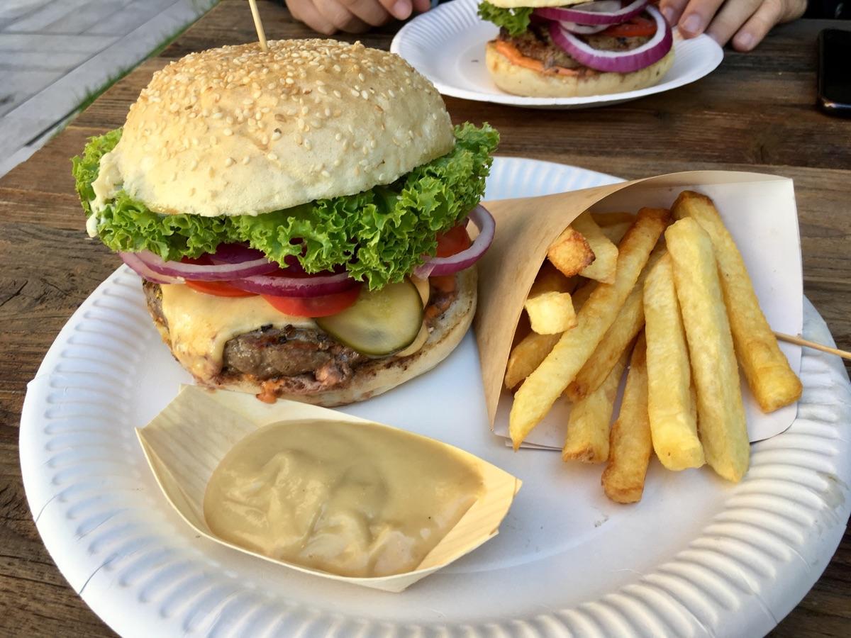 Don Cheese Burger - Street Food in Krakau | Foto © Helmut Hackl