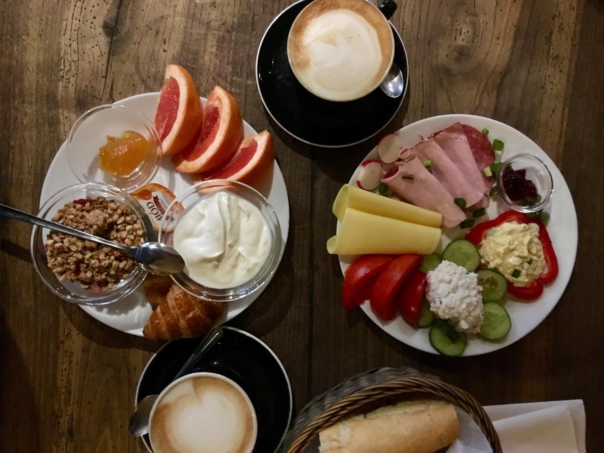 Frühstück im Nowa Prowincja in Krakau | Foto © Helmut Hackl