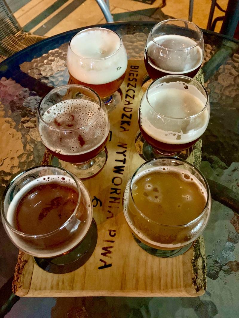 Craft Beer Verkostung im Ursa Maior in Krakau | Foto © Helmut Hackl