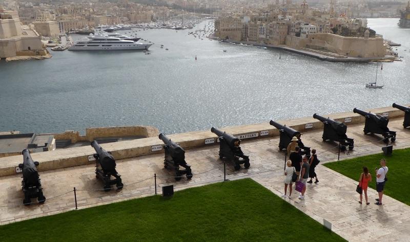 Valletta Gun Salute - Malta - Foto © Helmut Hackl