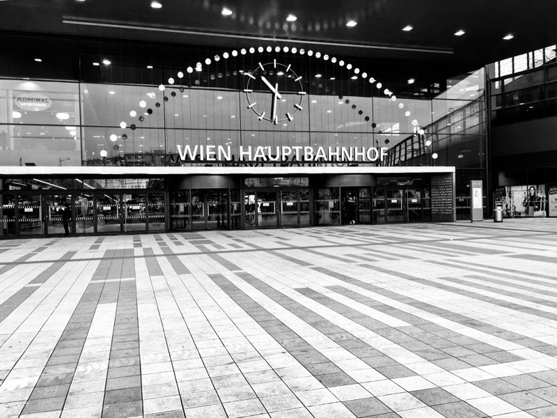 Wiener Hauptbahnhof – Foto © Helmut Hackl