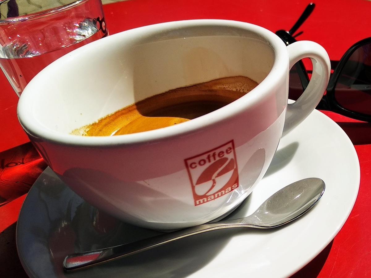 doppelter Espresso bei Coffeemamas in München - Foto © Helmut Hackl