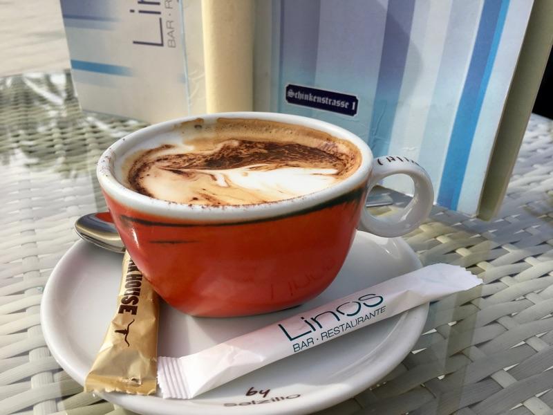 Cappuccino im Linos - Play Palma - Foto © Helmut Hackl