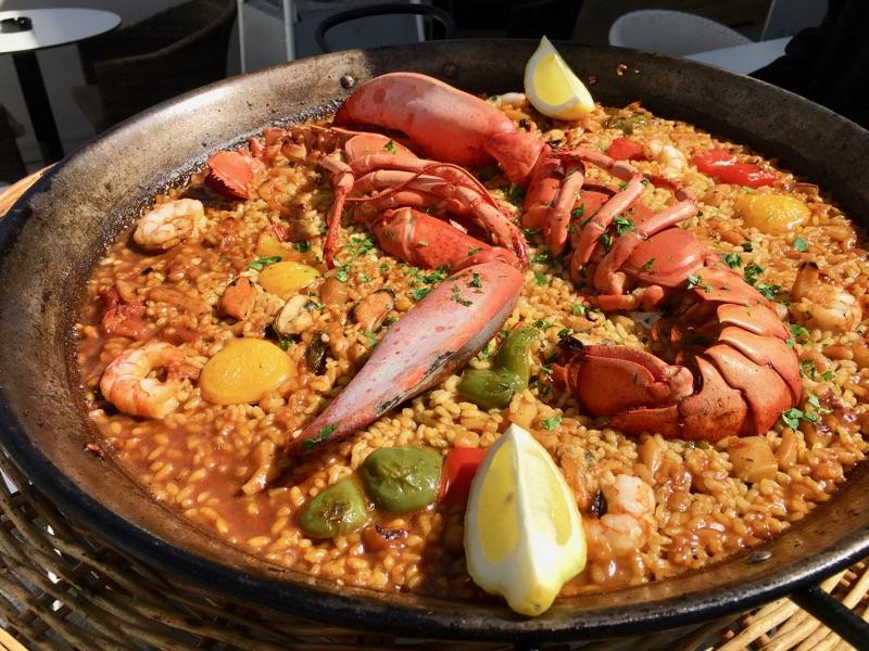 Paella de Bohovante mit Lobster - mg cafe lounge - Playa / Palma de Mallorca - Foto © Helmut Hackl