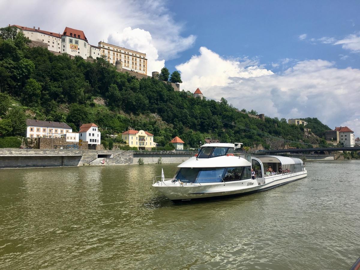 """""""Dreiflüsse""""-Stadtrundfahrt in Passau - Foto © Helmut Hackl"""