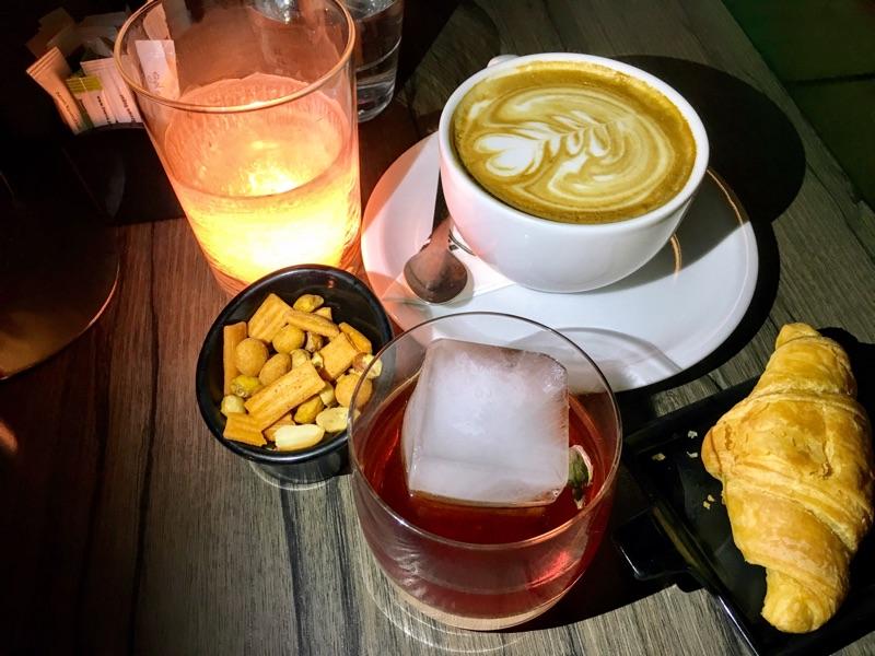 Cocktail in der Menta Cafe Bar / Thessaloniki - Foto © Helmut Hackl