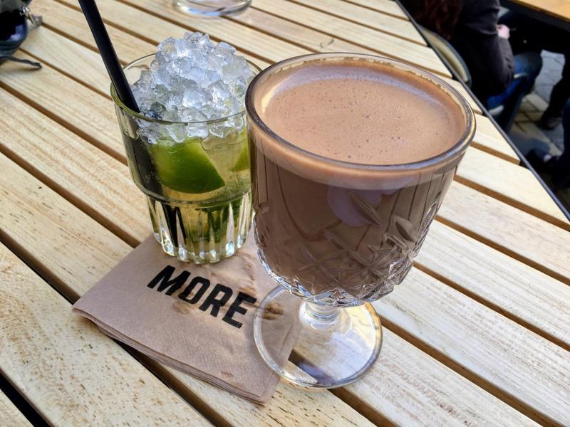 Rum & Chocolate und Mojito in der One More Bar in Sofia - Foto © Helmut Hackl