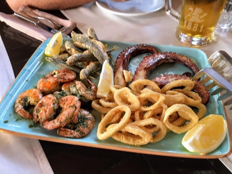 Fischplatte im Mr. Baba Restaurant / Varna - Foto @ Helmut Hackl