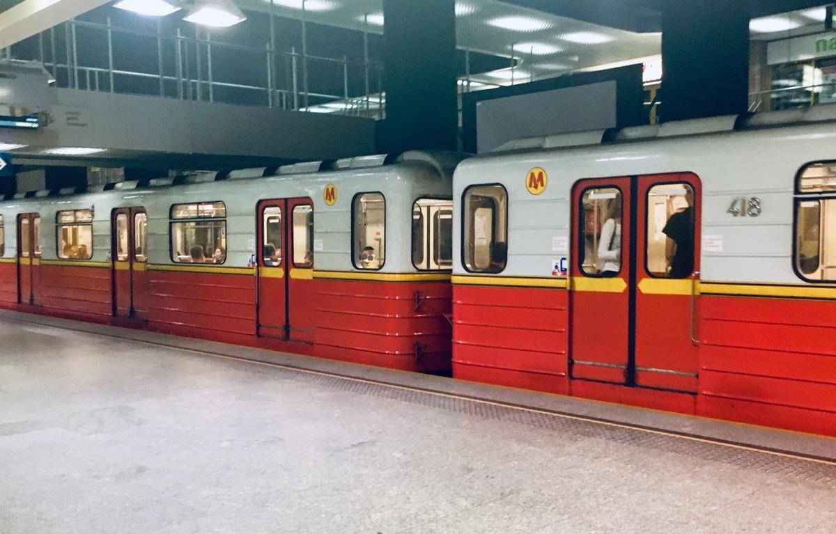 Metro in Warschau - Foto © Helmut Hackl