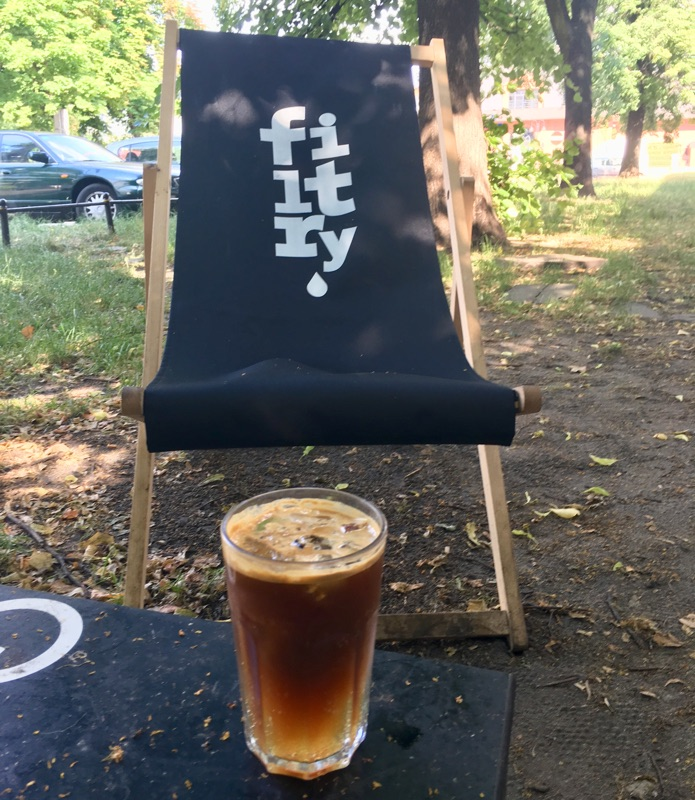 Espresso Tonic bei Filtry Café - Warschau | Foto © Helmut Hackl
