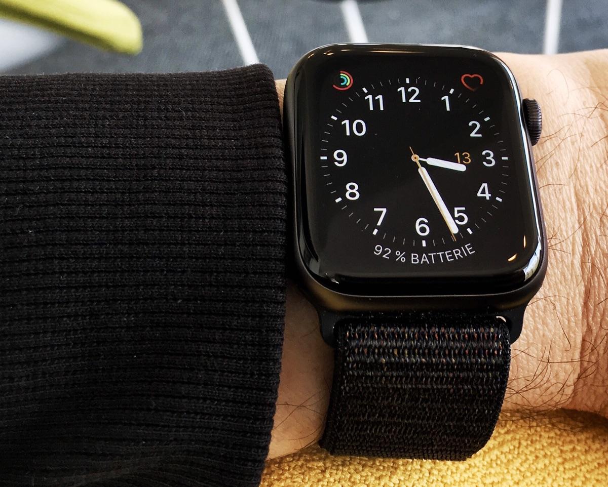 Apple Watch Series 4 - Foto © Helmut Hackl