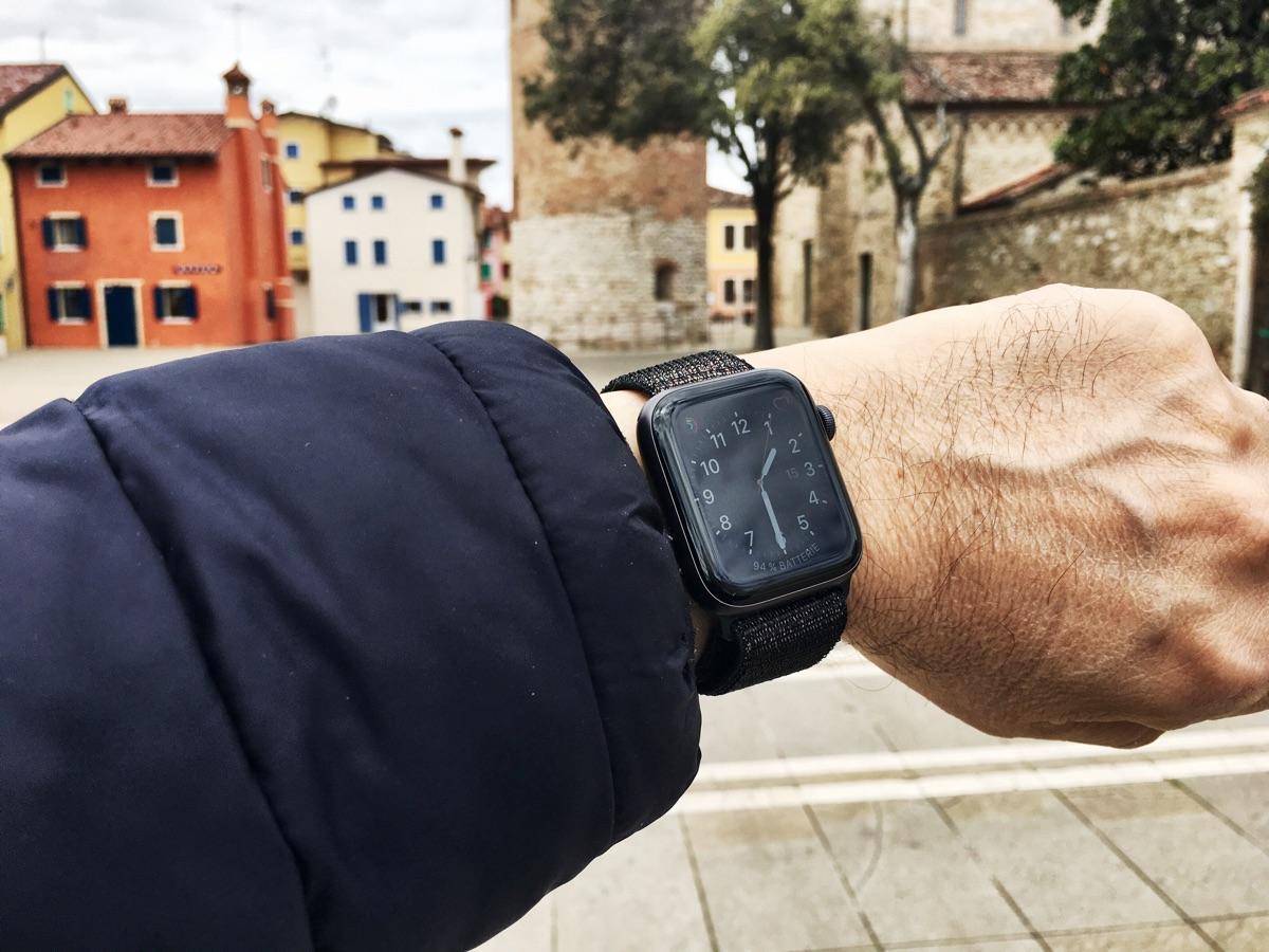Apple Watch Series 4 in Caorle - Foto © Helmut Hackl