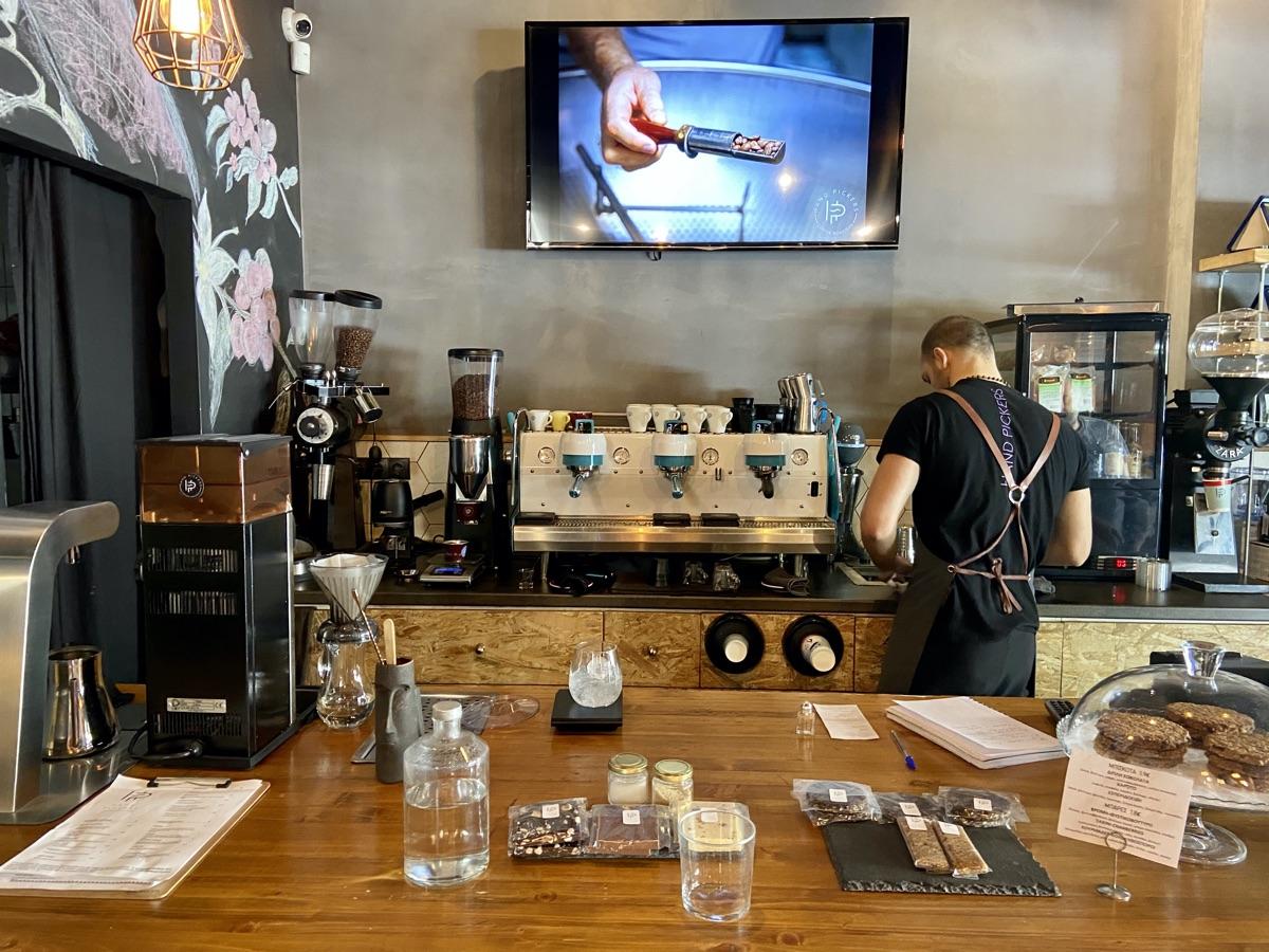 Handpickers Coffee Roasters in Athen | Foto © Helmut Hackl
