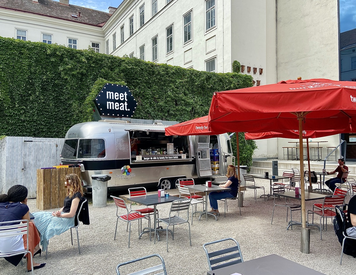 Burger de Ville - saftige Burger aus dem Airstream | Foto © Helmut Hackl