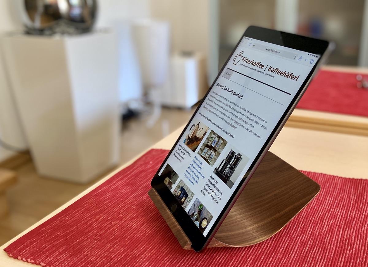 Halterung für iPad von Yohann Woods   Foto © Helmut Hackl