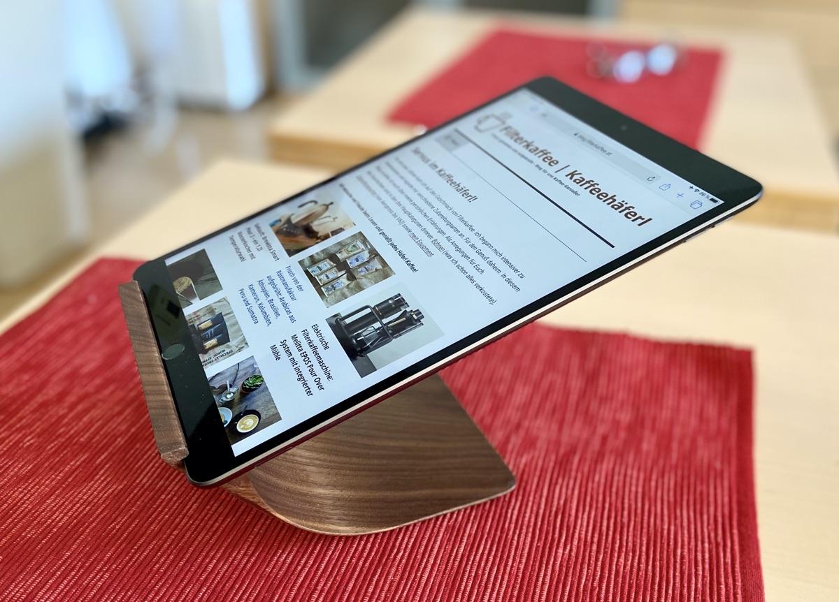 Halterung für iPad von Yohann Woods | Foto © Helmut Hackl