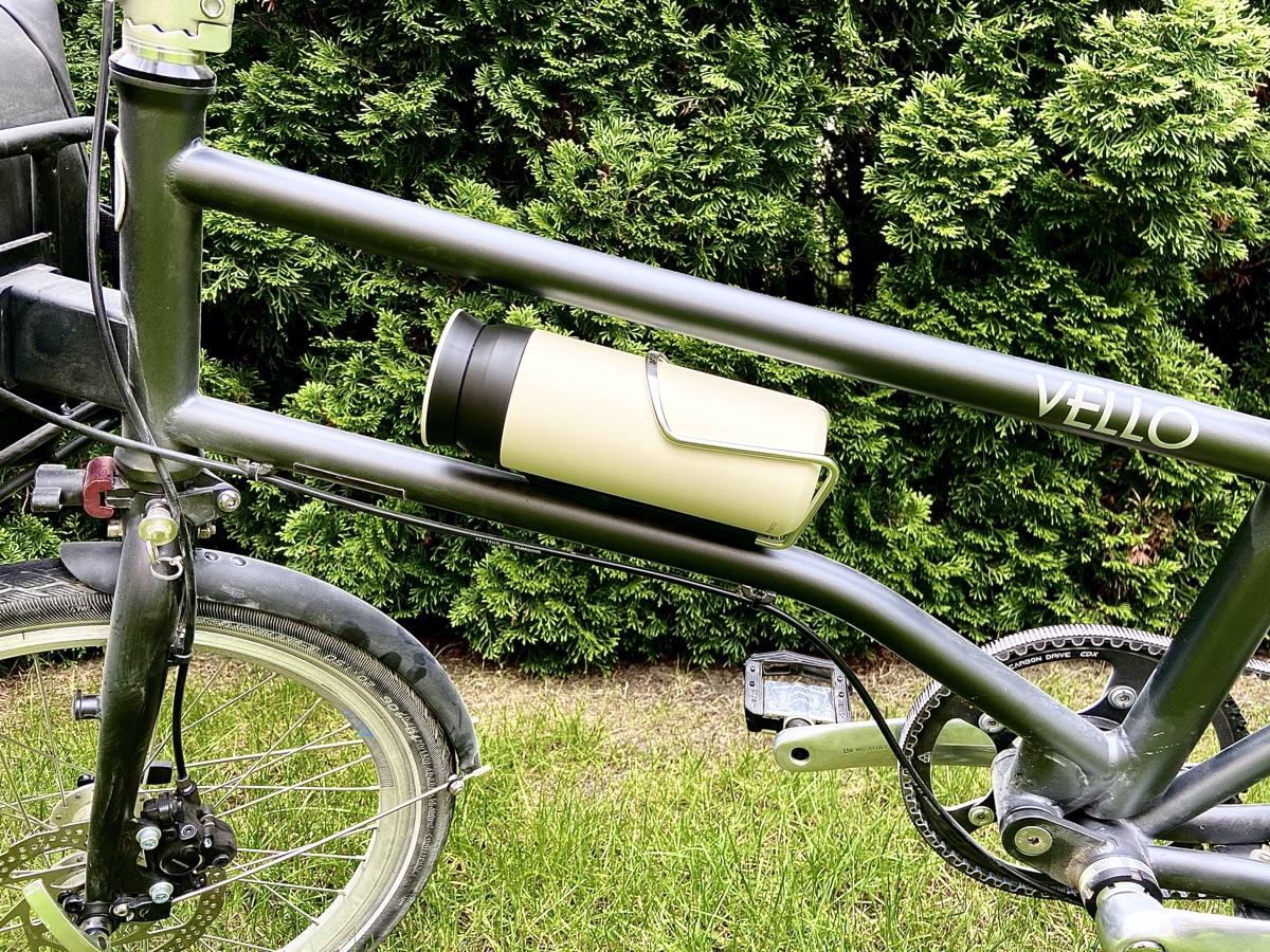 Kinto Travel Tumbler am Fahrrad | Foto © Helmut Hackl