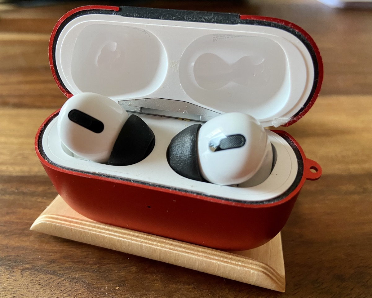 Comply Foam Tips 2.0 für AirPods Pro | Foto © Helmut Hackl