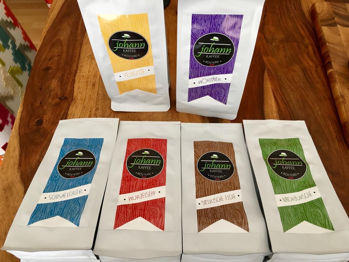 sechs Sorten von johann Kaffee verkostet | Foto © Helmut Hackl