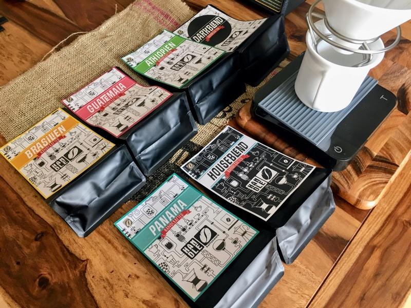 frisch geröstet vom Kaffeewerk Handle   Foto © Helmut Hackl