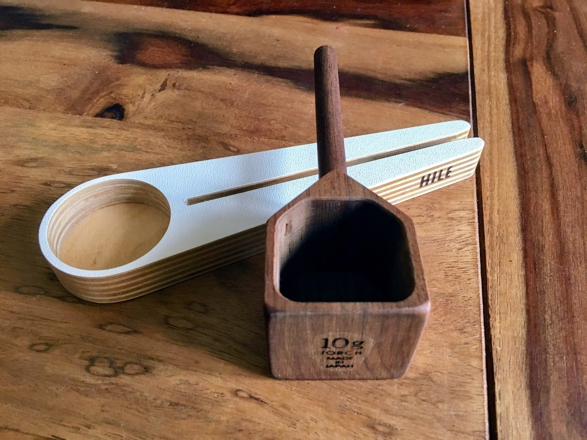 Kapu & Torch – zwei wunderschöne Kaffeemesslöffel | Foto © Helmut Hackl