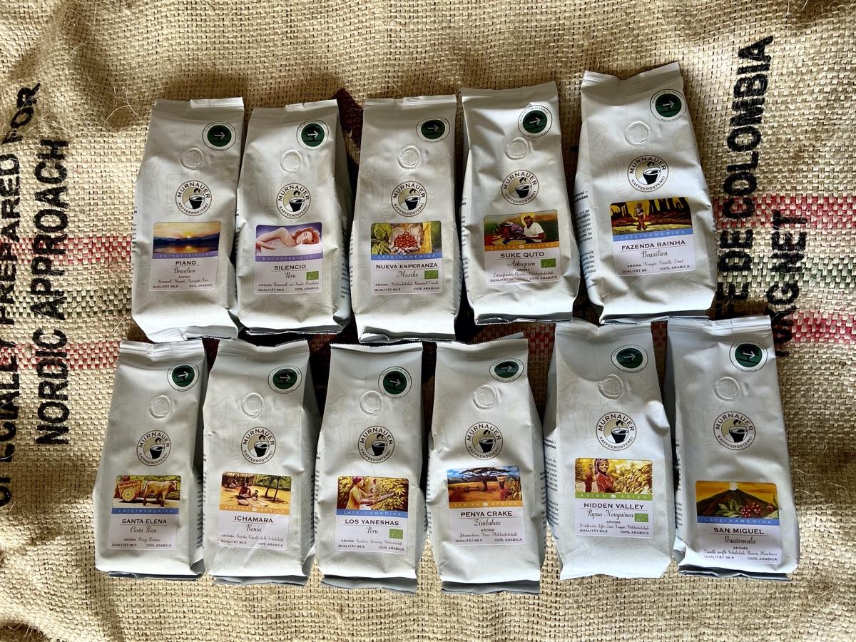 frisch geröstete Bohnen von der Murnauer Kaffeerösterei | Foto © Helmut Hackl