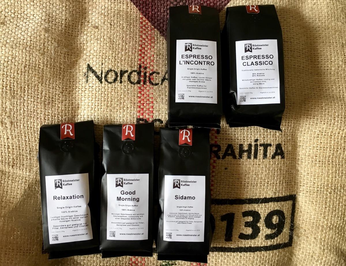 frische Bohnen von Röstmeister Kaffee | Foto © Helmut Hackl