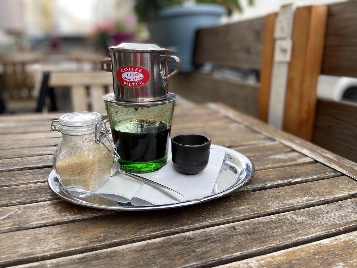 vietnamesischer Kaffee im MOC Vietnam   Foto © Helmut Hackl